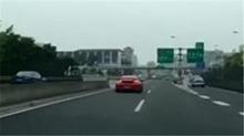 保时捷高架桥上狂飙 英菲尼迪时速180跟拍