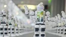 """新西兰:""""苹果""""新手机发售首日 机器人""""帮""""排队"""