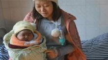 四川妈妈诞下12斤重超级婴儿
