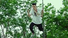 《青禾男高》片段:<B>欧</B><B>豪</B>秒变痴汉大玩轻功 只为邂逅景甜