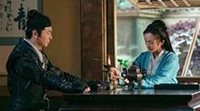 """杨幂<B>张震</B>《绣春刀2》长沙提前看片 影迷称大幂幂人设很""""花瓶"""""""