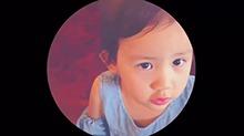 <B>黄磊</B>小女儿口齿不清要零食 边吃海苔边念叨冰淇淋蛋糕