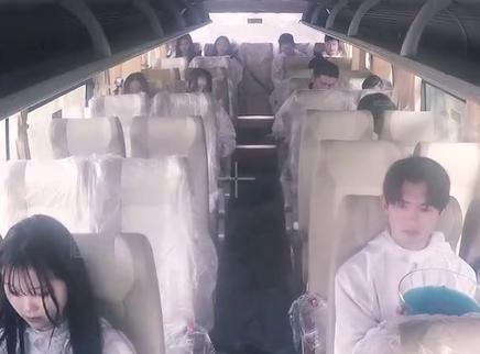 乘坐大巴车哪个位置不会晕车?