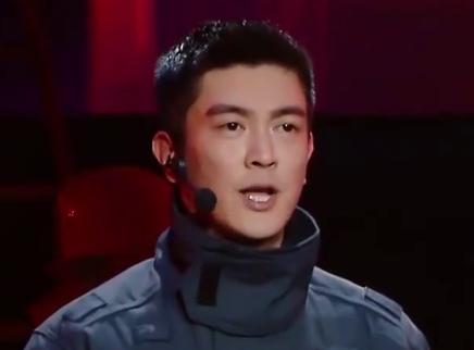 杜江开唱致敬消防员