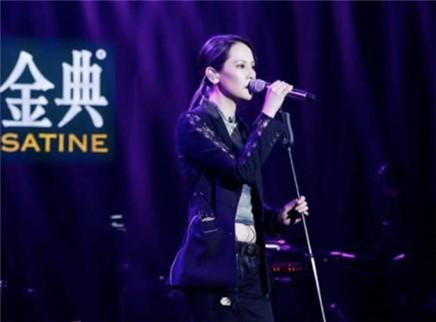 """歌手2019第7期:摇滚歌后杨乃文硬核补位 杨坤带来魔性""""坤式舞步"""""""