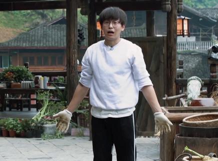 第7期:吴亦凡拜师黄磊学厨艺