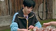 敖子逸小哥哥吃臭豆腐乳吃到吐