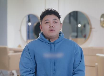 """朱海""""外卖理发"""""""