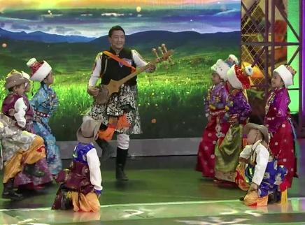 藏族少儿锅庄舞跳出淳朴情怀