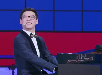 侯乐天演绎花式钢琴课